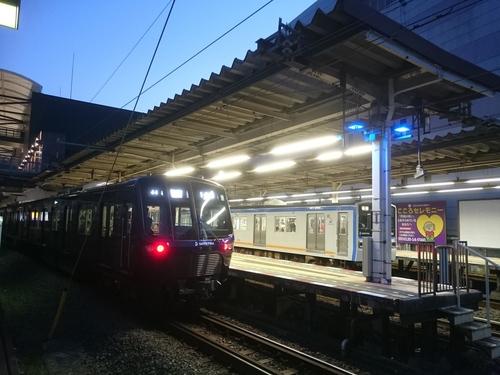 二俣川駅にて−1.JPG